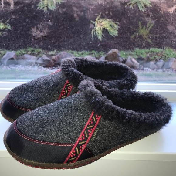 c0fca596a569 Women s Sorel Wool Slippers. M 5c196a70e944bac8d3569063